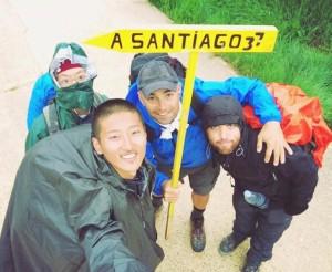 Selfie do Joo. O Nori, o Joo, o Gerardo e eu! 376 km restantes
